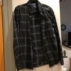American eagle button up plaid